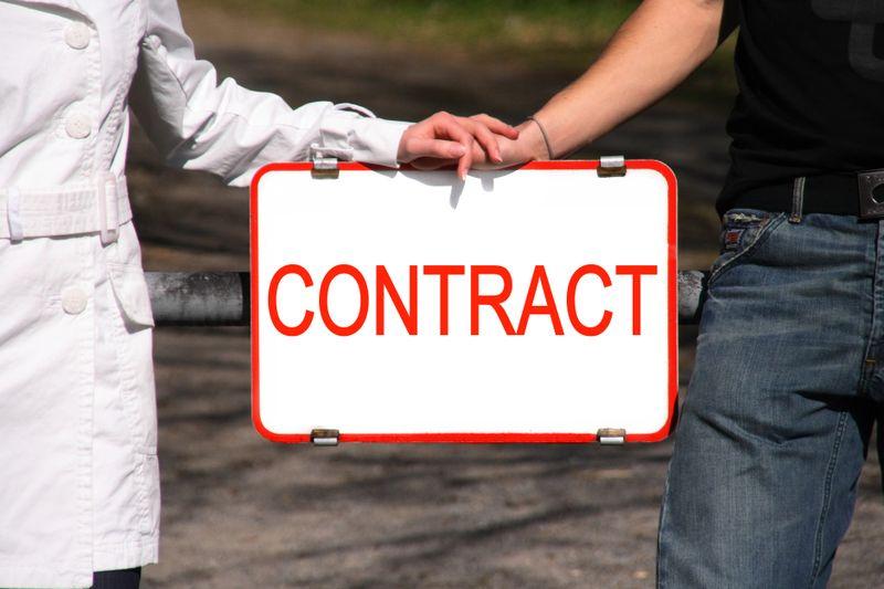 Contract 002 photoxpress